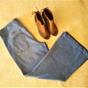 Mossimo High Rise Wide Leg Jeans Size 14